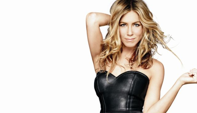 El tremendo escote de Jennifer Aniston