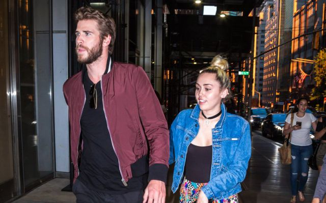 A Miley Cyrus le incomoda un regalo de Liam Hemsworth