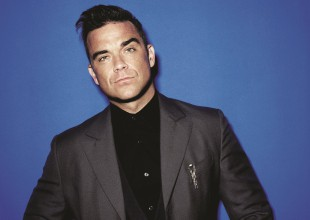Robbie Williams recibe Premio Golden Music Award por 50 aniversario de LOS40