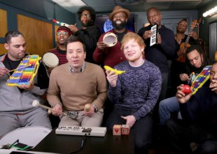 "Ed Sheeran interpreta ""Shape of You"" con instrumentos de juguete"