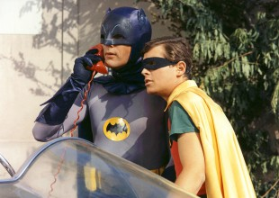 Así se despiden fans de Adam West