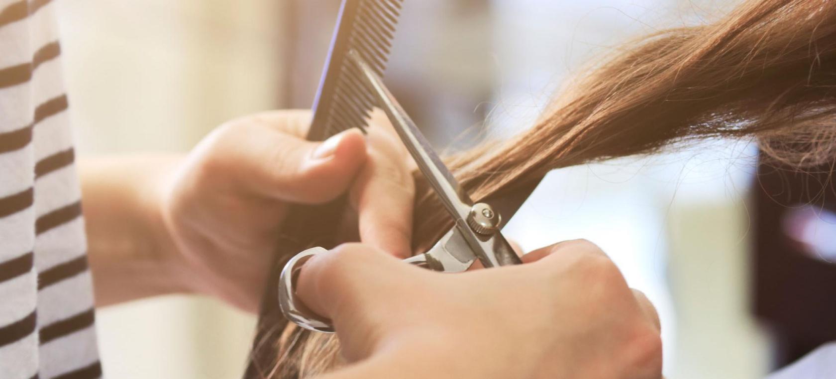 Corte de pelo de tijeras