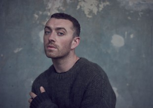 "Sam Smith es captado besando a actor de ""13 Reasons Why"""