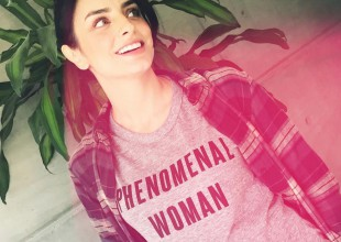 Aislinn Derbez presume su primer baby shower