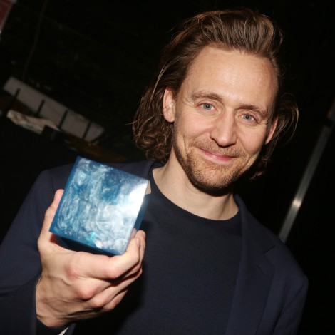 "Tom Hiddleston comparte video en set de ""Loki"""