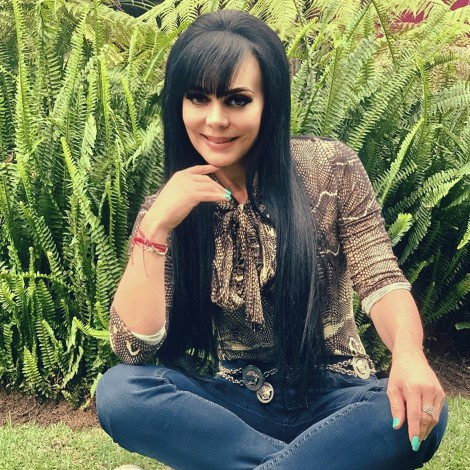 Maribel Guardia presume su look para entrenar en casa