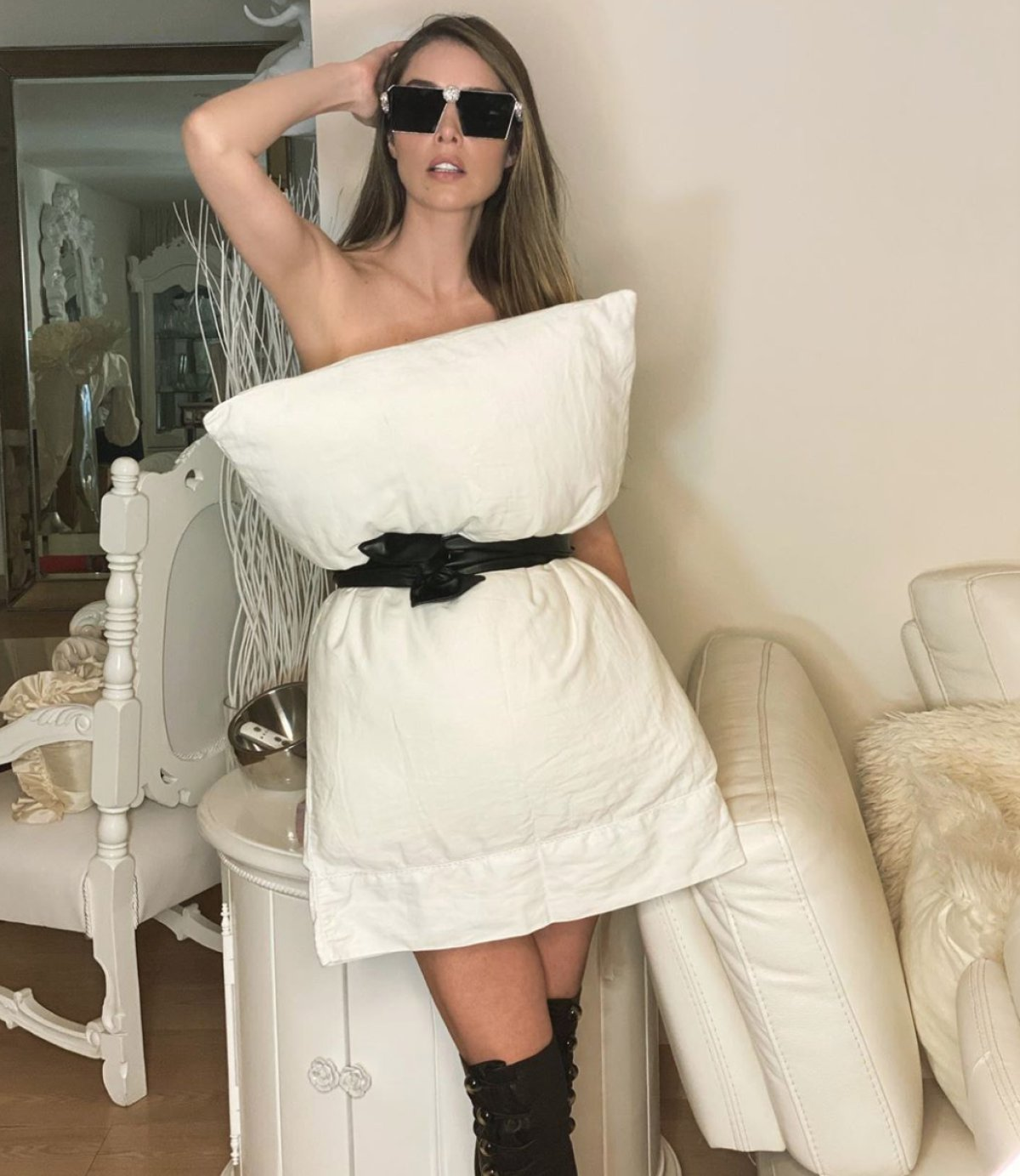 Famosas que se unieron al Pillow Dress Challenge